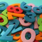 Tall i forskjllige farger hulter til bulter